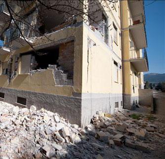 terremoto-abruzzo-casa-distrutta